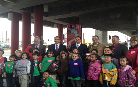 Villaraigosa gathered with students this morning. (Photo courtesy of ATVN)