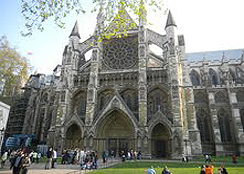 Visitors wait outside Westminster Abbey as the royal family prepares for the ceremony Thursday. (Photo by Josanta Gray)