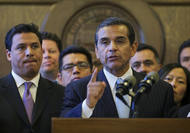 Mayor Villaraigosa told the LAFD that they are not to withhold basic information about responses to medical emergencies(Photo courtesy AP).