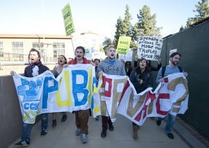 Occupy UCLA protesters (The Daily Bruin)