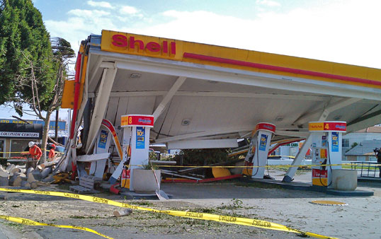 Shell gas station on the corner San Gabriel Boulevard in Pasadena (Courtesy of Trenise Ferreria)